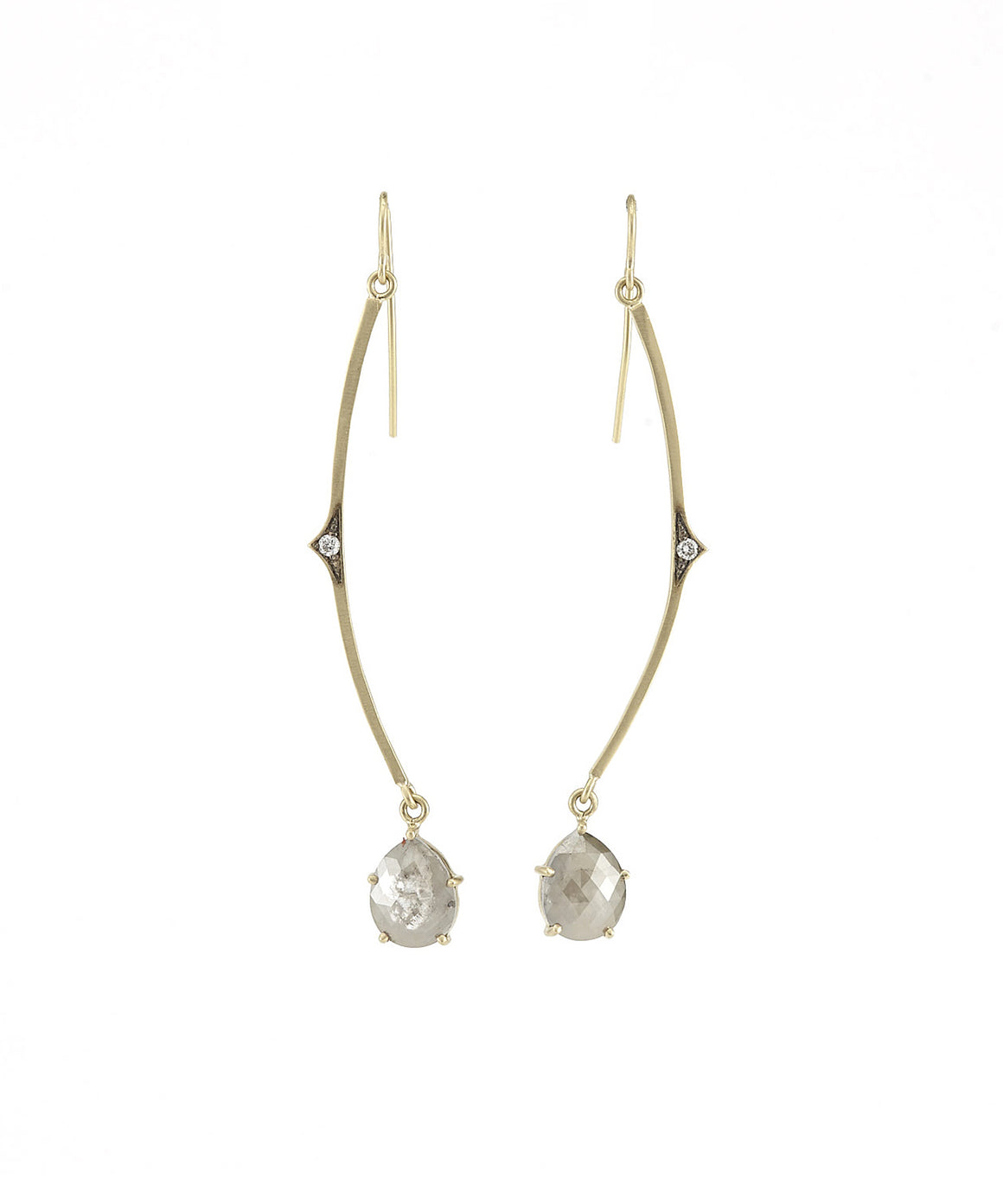 Curved earrings with rough diamonds