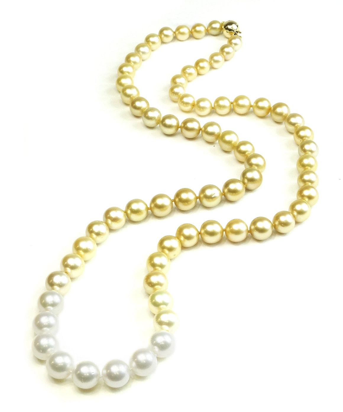 Ombré golden pearl necklace
