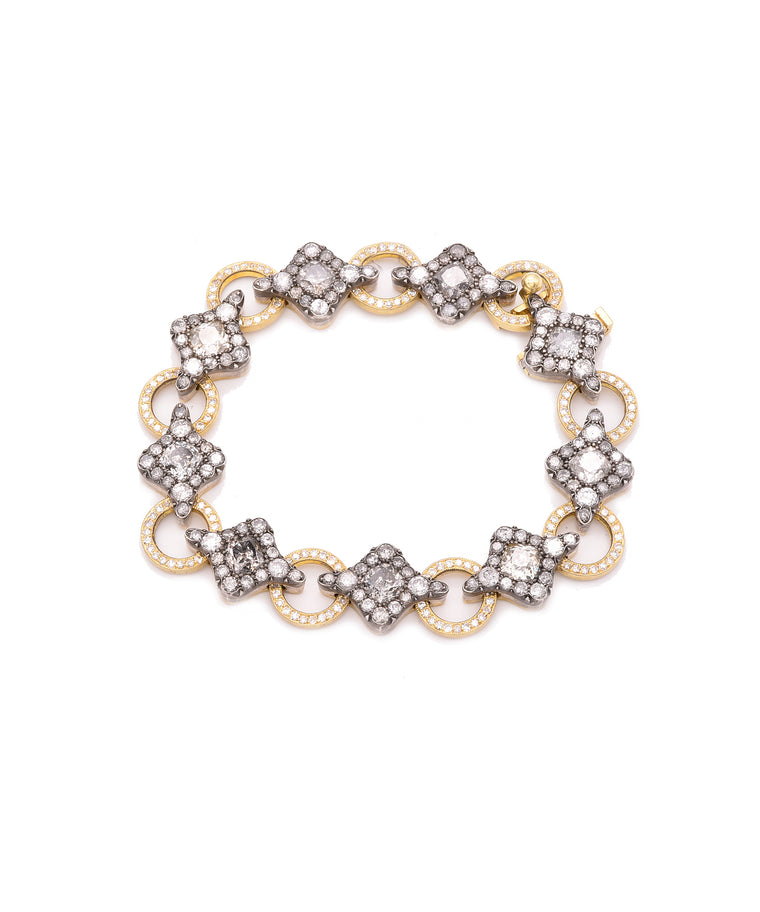 Link bracelet with grey diamonds