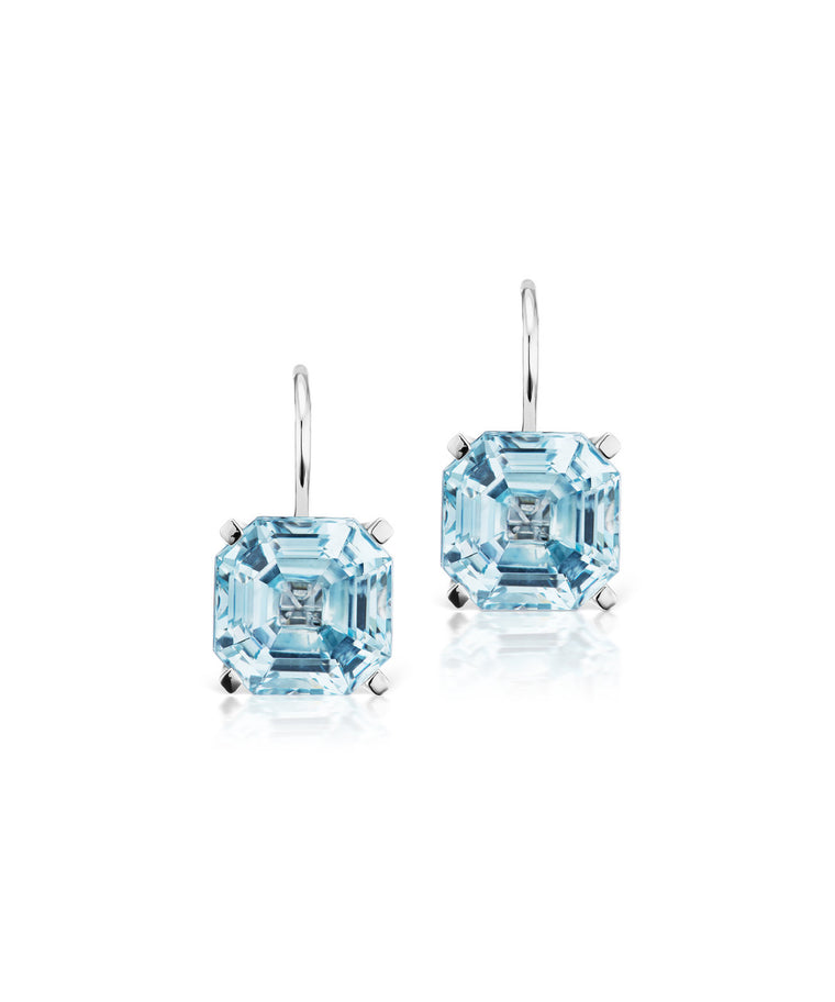Twinkle Twinkle earrings in blue topaz