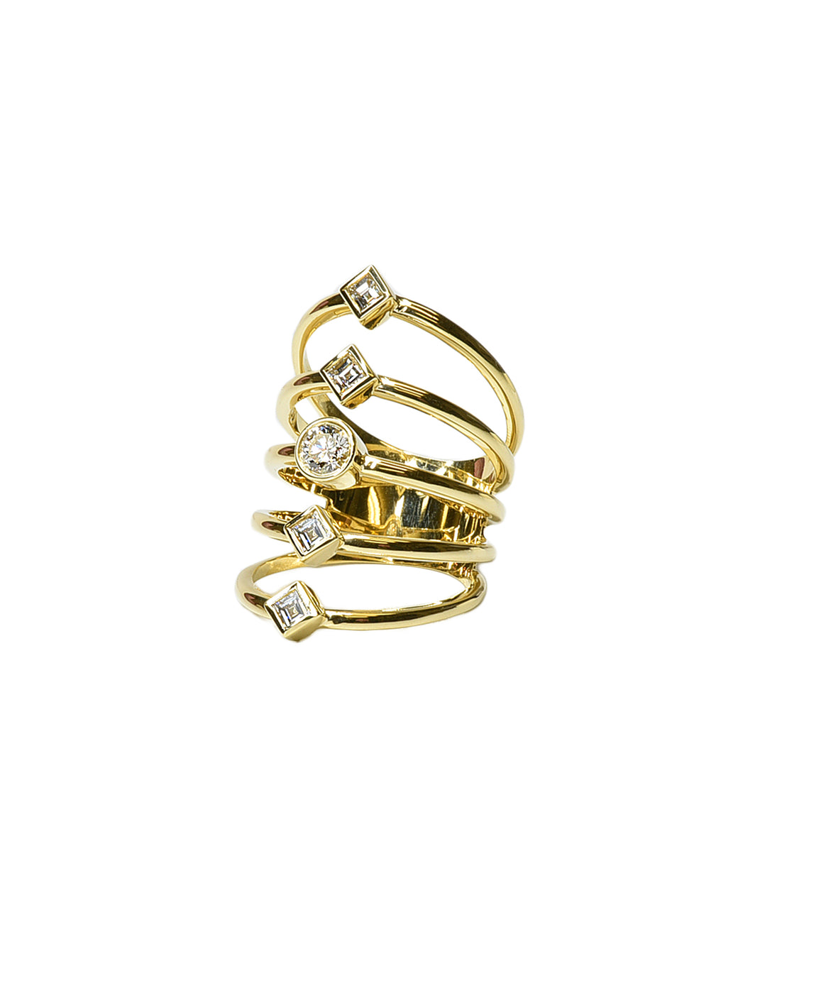 Yellow gold wide ring with baguettes and round diamonds