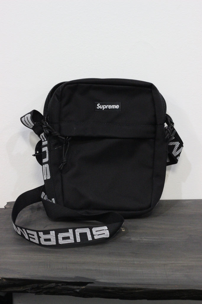 ... Supreme Shoulder Bag SS18 Black . ... c69ec3c27f105