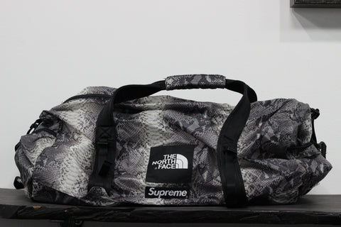 Supreme x The North Face Duffle Snakeskin Grey