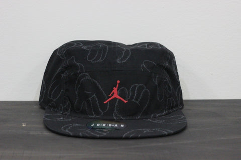 Air Jordan x Kaws Hat