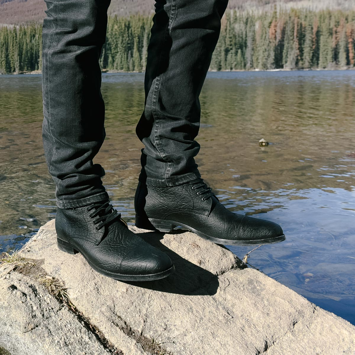 The Buffalo Boot Black- Poppy Barley