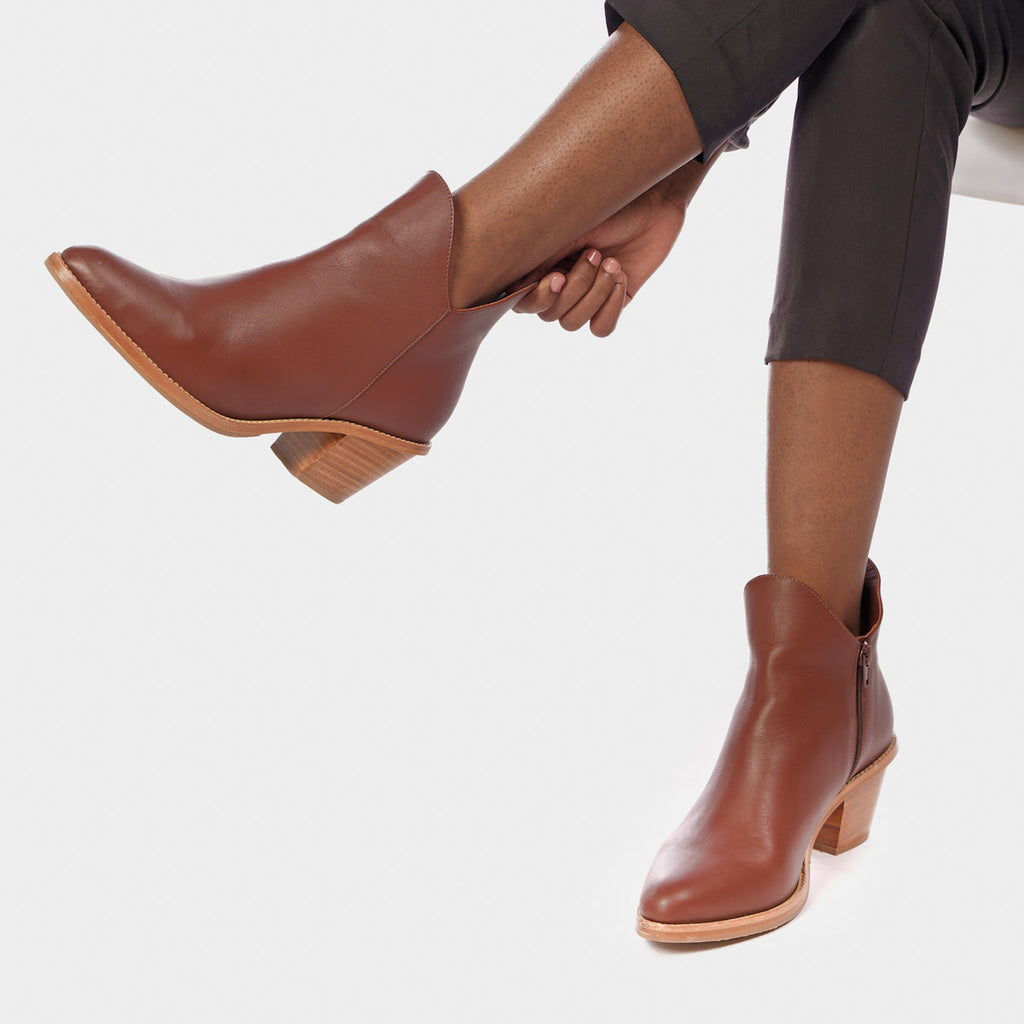 The Two Point Five Ankle Boot Danish Brown Water Resistant Ready To Wear