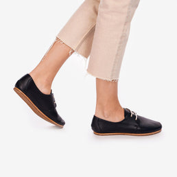 The Eyelet Oxford 2.0 Black Pebble Ready To Wear