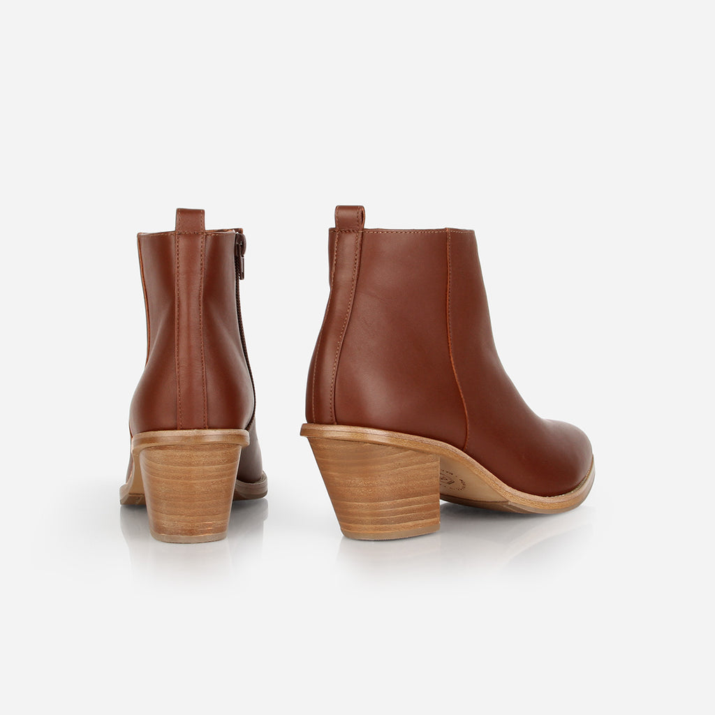 The Extra Mile Boot Danish Brown Water Resistant Ready To Wear
