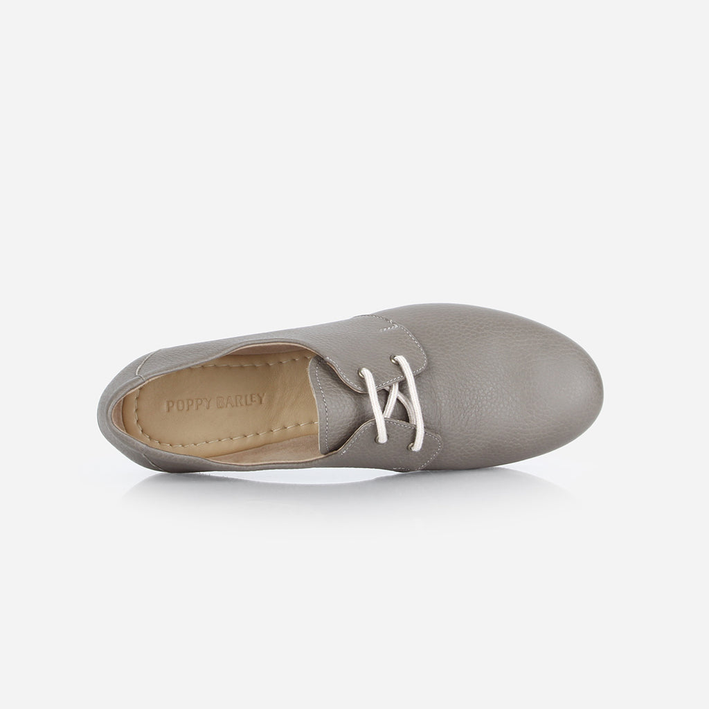 The Eyelet Oxford 2.0 Smoke Grey Ready To Wear