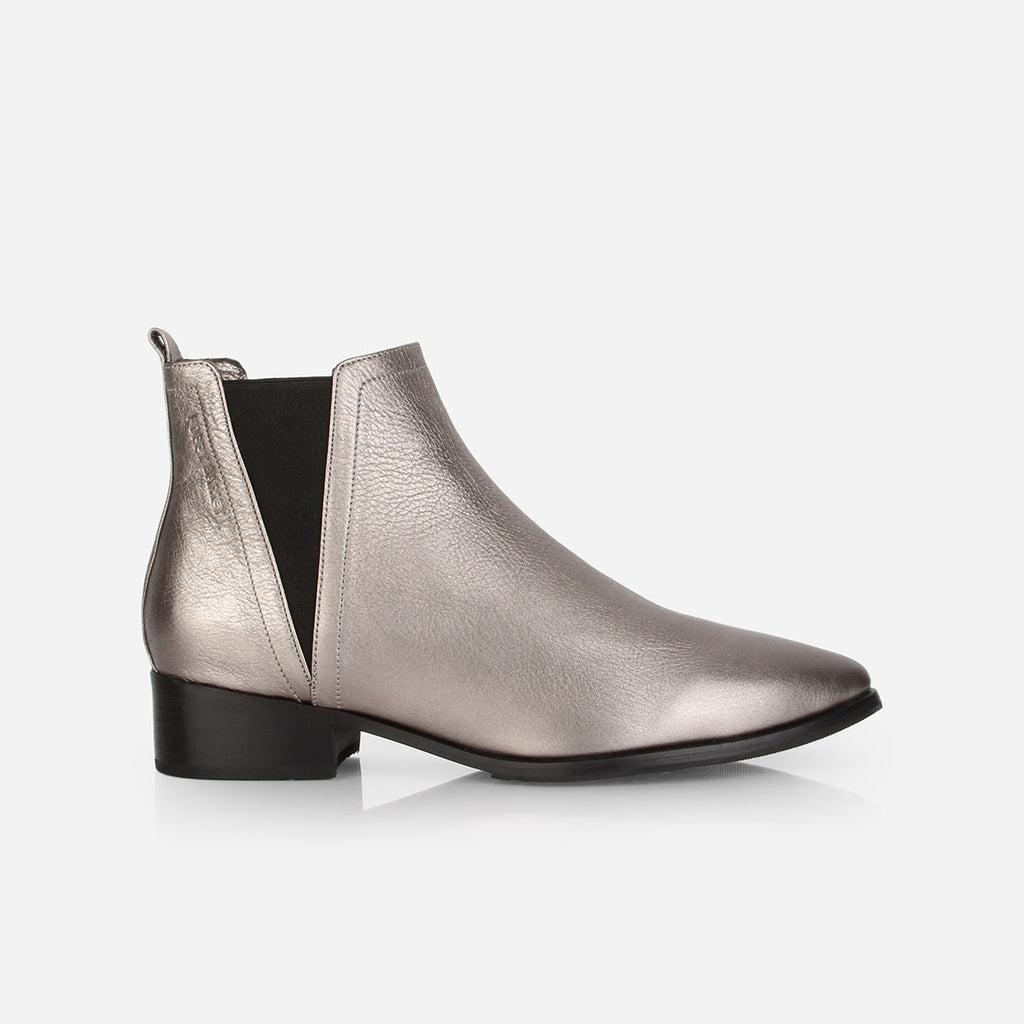 The Low Rise Chelsea Boot 2.0 Pewter Ready To Wear
