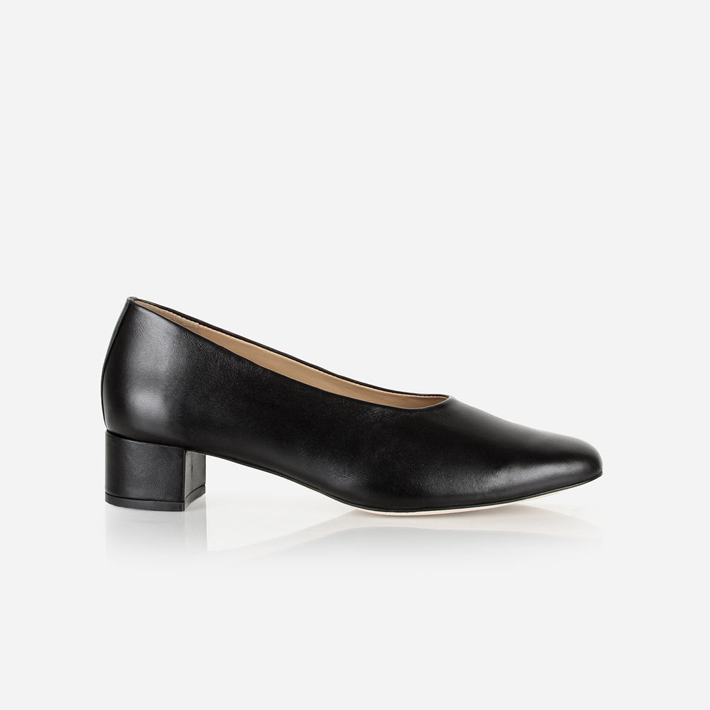 The Petite Pump Black Ready To Wear