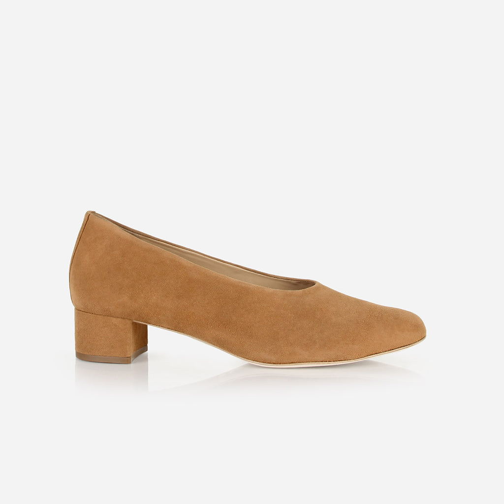The Petite Pump Camel Suede Ready To Wear
