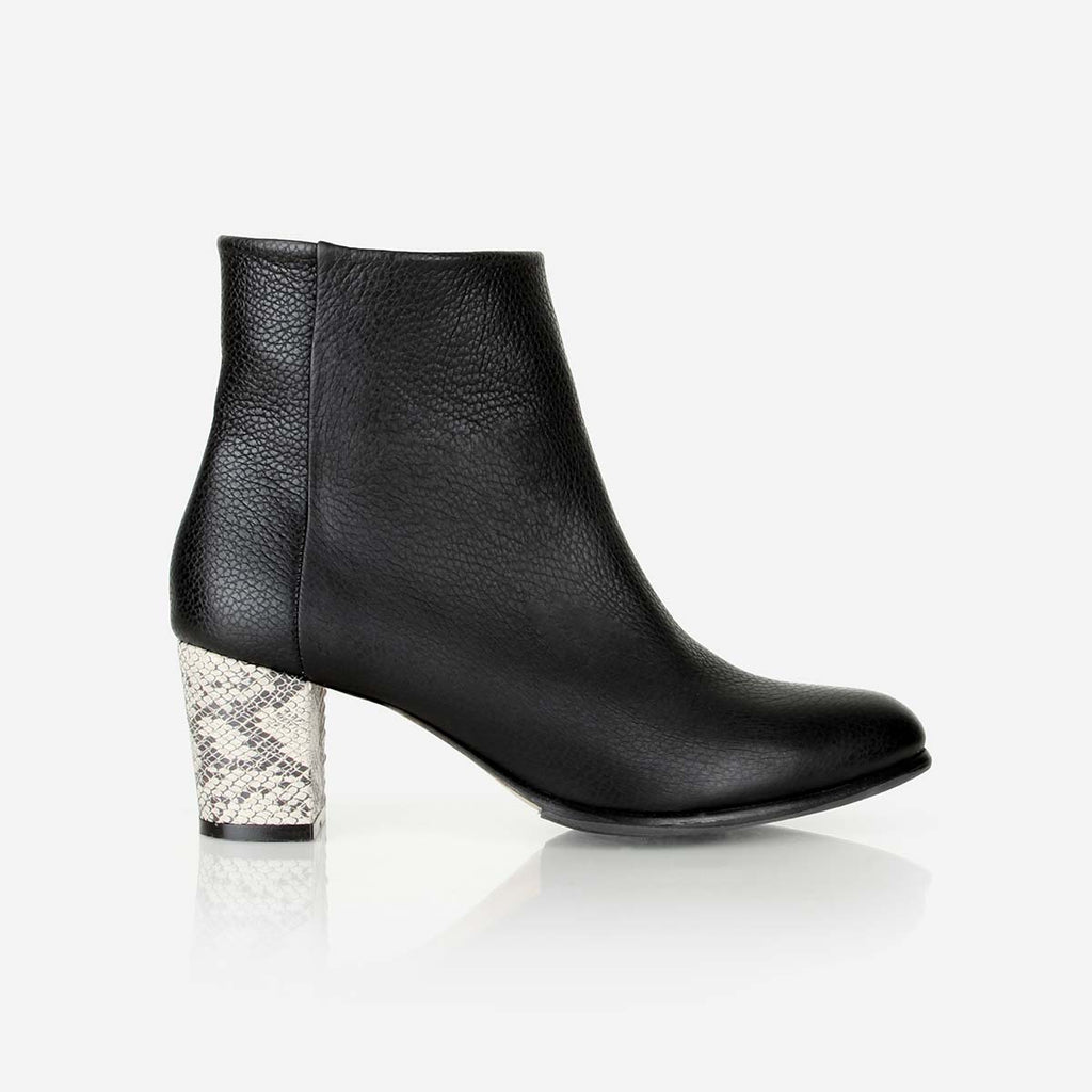 The Saturday Boot Black / Snake Ready To Wear