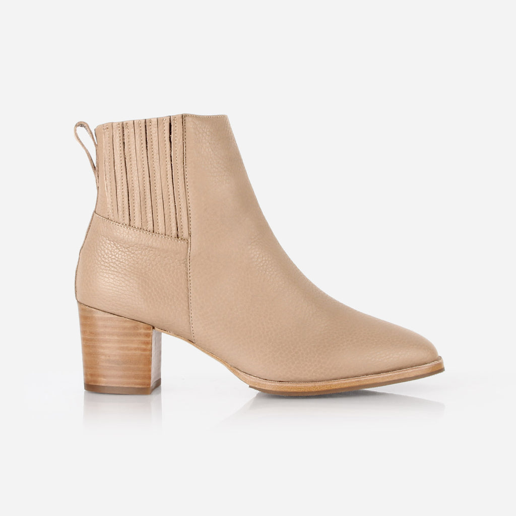 The Uptown Heeled Chelsea Boot Biscotti Pebble Ready To Wear