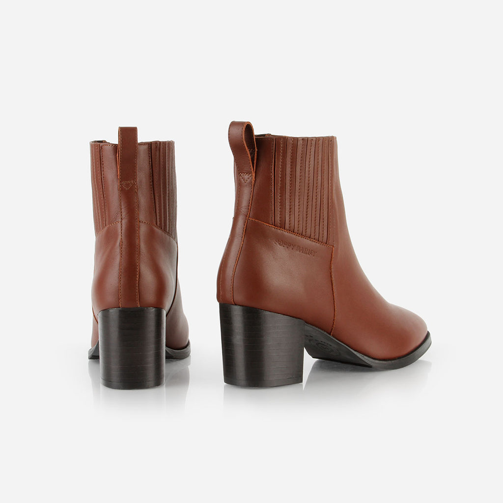 The Uptown Heeled Chelsea Boot Danish Brown Water Resistant Ready To Wear