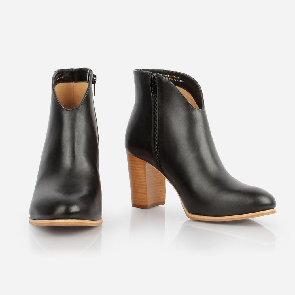 The V-Ankle Boot Black Ready To Wear