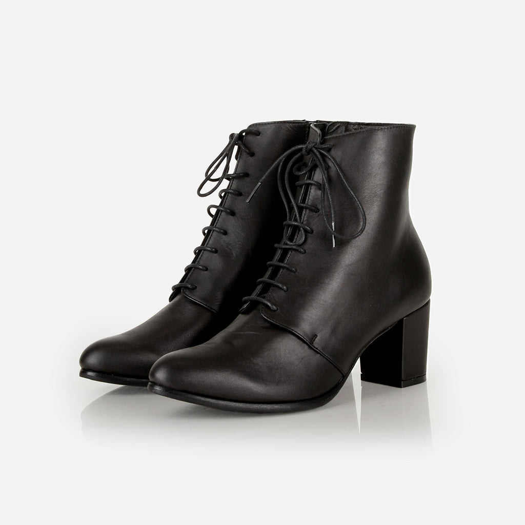 The Victoriana Boot Black Ready To Wear