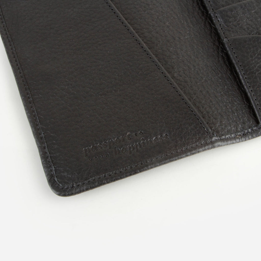 The Voyager Passport Holder Black