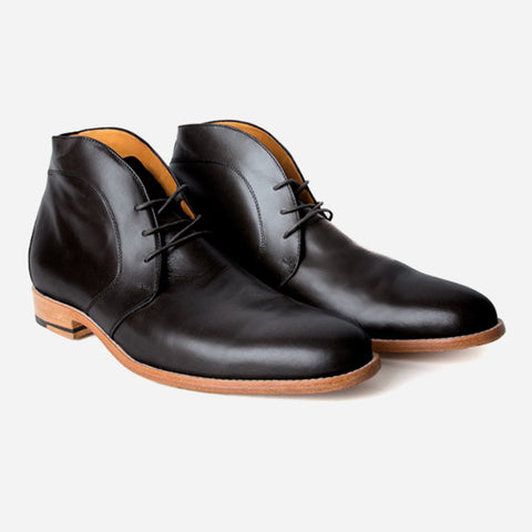 The Vancouver Chukka - black calf leather chukka boots with natural sole - Poppy Barley