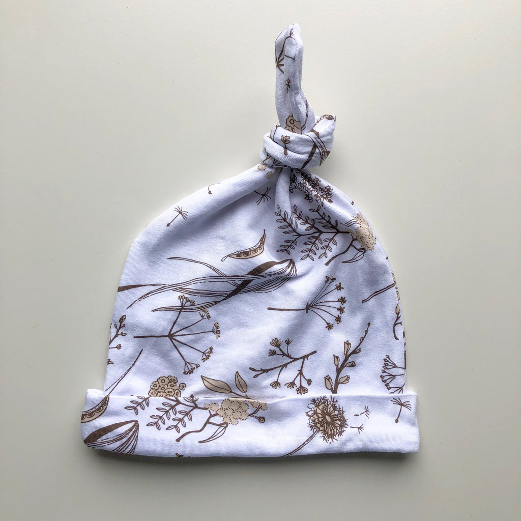 Wild meadow (neutral petals) knotted hat newborn - lunastreasures
