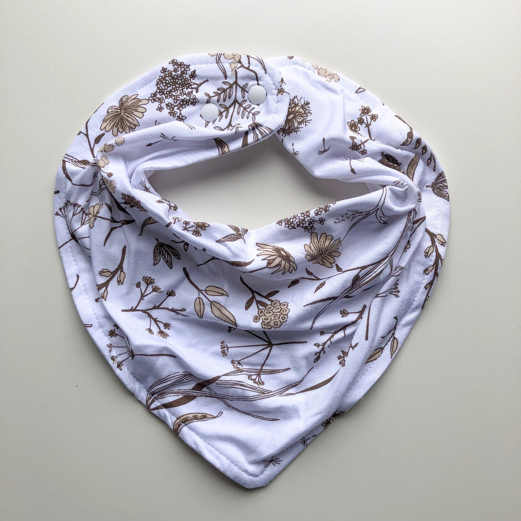 Wild meadow (neutral petals) dribble bib - lunastreasures