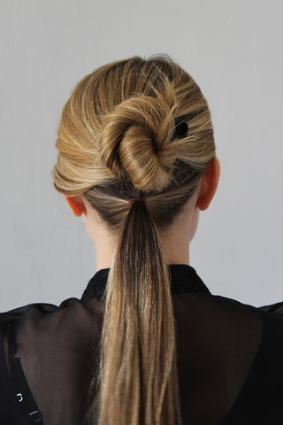Step 2_The Polished Low Ponytail for Medium/Long Hair