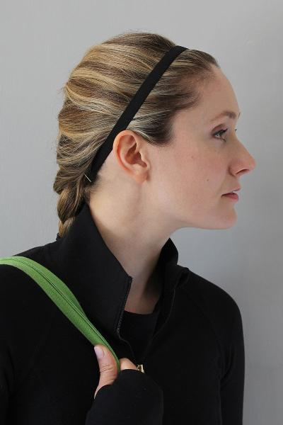 Black adjustable non slip elastic headband for women athletes