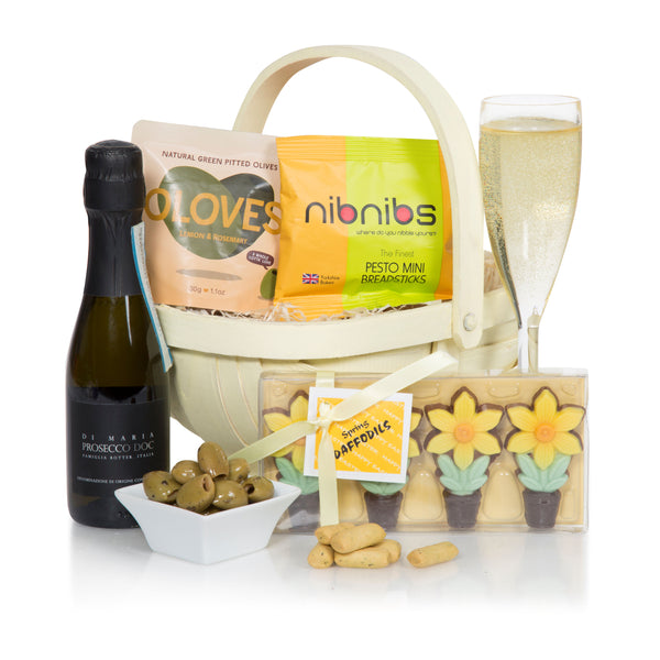 Easter gifts giftbasketsforeurope spring delights negle Image collections