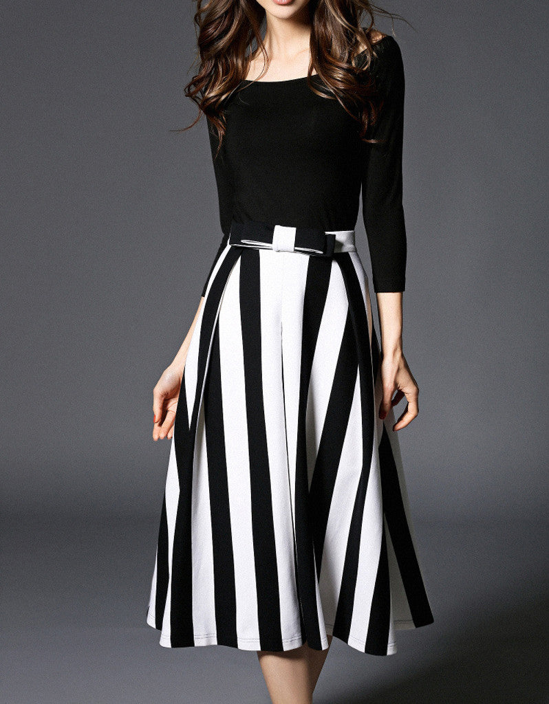 3/4 sleeve knitted top with stripped A-line long skirt