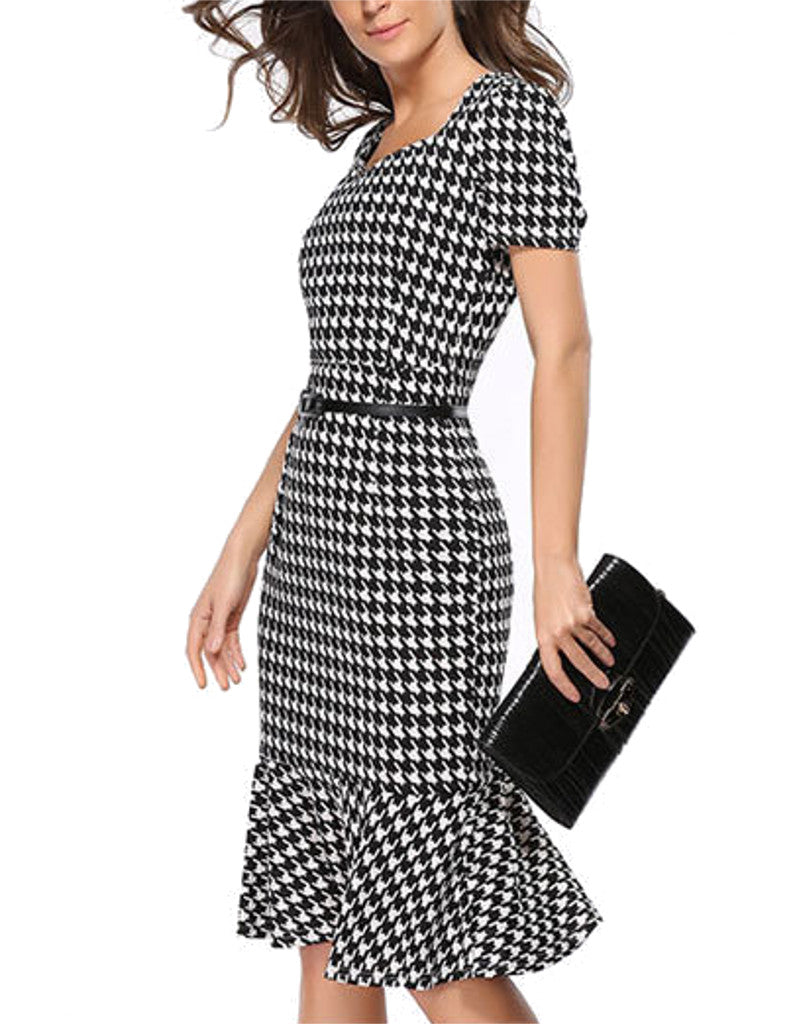 Short sleeve mid-length mermaid dress with houndstooth pattern