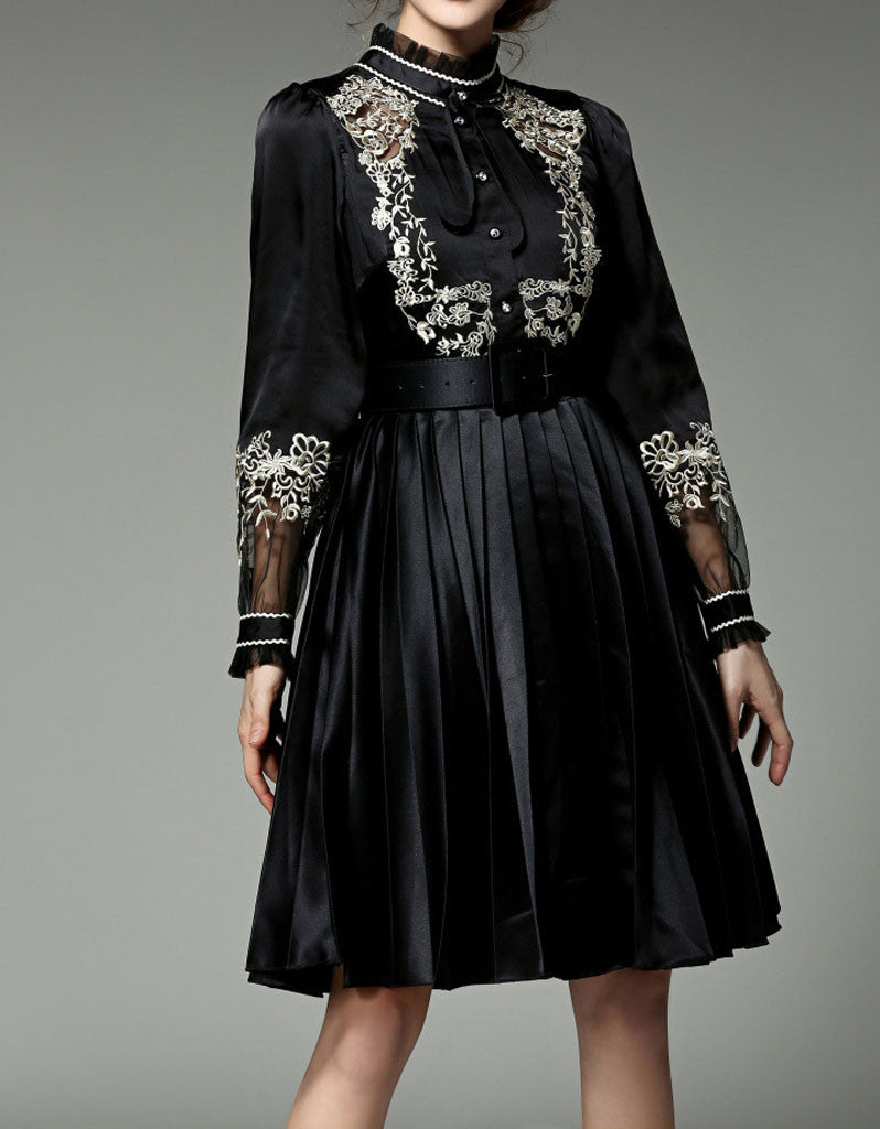 Long sleeve mid-length dress with embroidery and chiffon