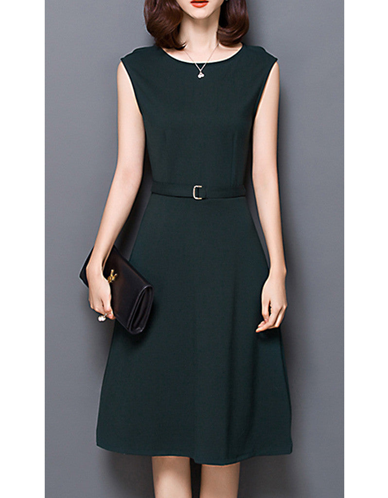 Sleeveless mid-length shift dress (More colours)