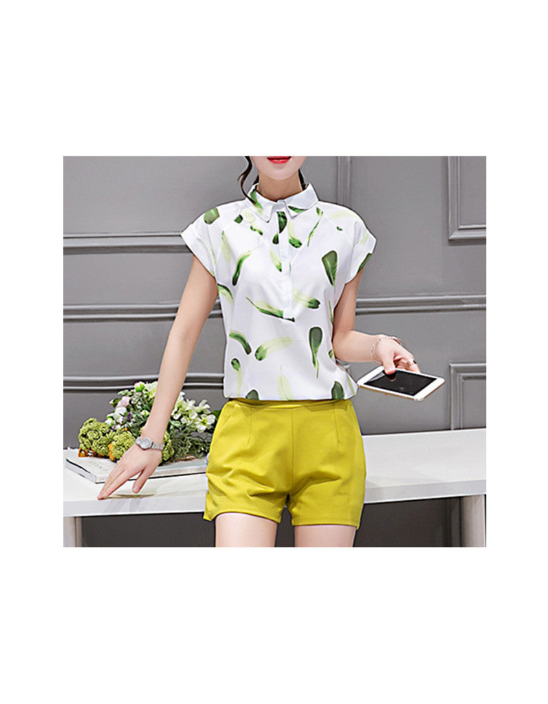 Short sleeve printed top with shorts