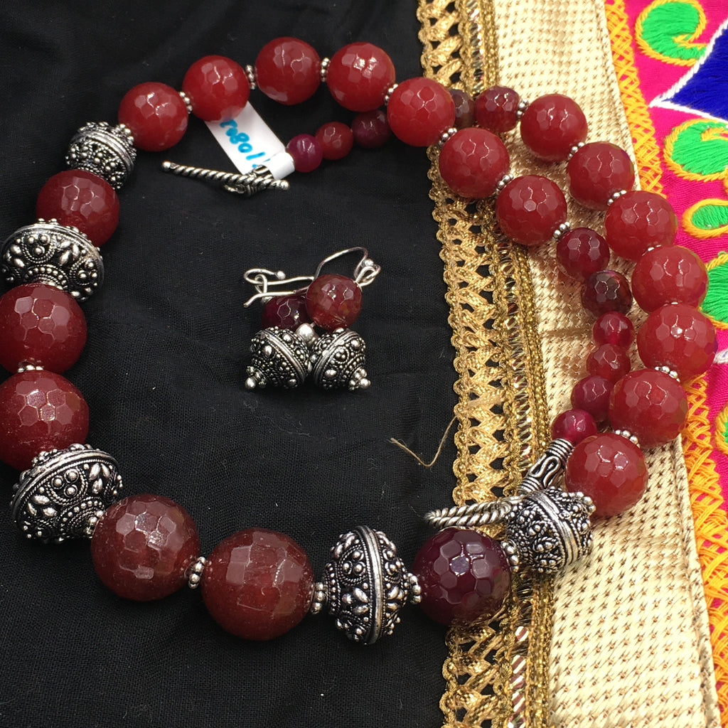 OXD - NN - Maroon stones necklace