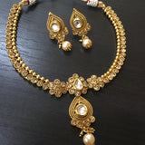 Fit necklace with White stones and pearl drop pendant