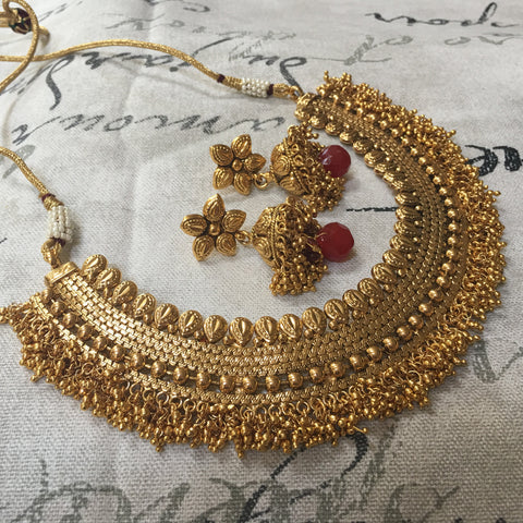 Golden fit necklace with golden jhirmil
