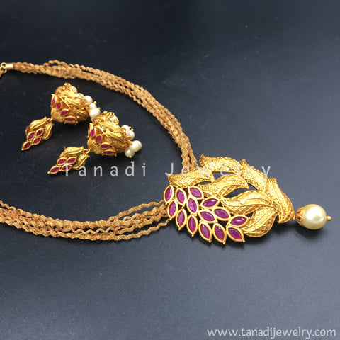 Matt Finish Series - Long necklace with Red stone Leaves