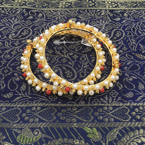 Single Pola and Moti Bangle