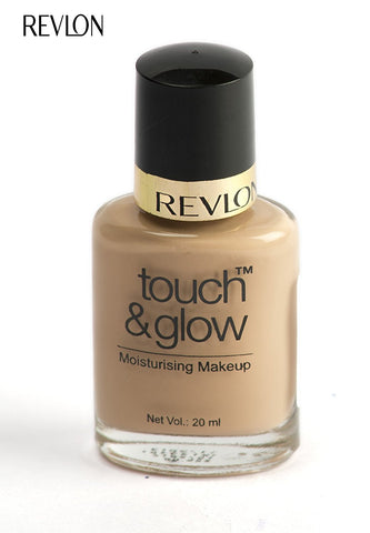 Revlon Touch and Glow Moisturising Makeup, Natural Mist (20ml)