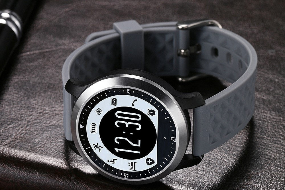 The Ultimate Sport SmartWatch - Heart Rate Monitor and Fitness Tracker