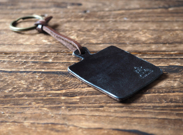 ES Corner Handmade Cutting Board Leather Keychain Black square shape