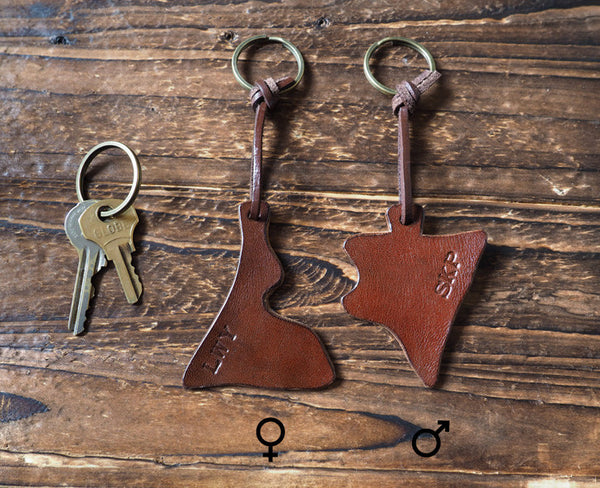 ES Corner Hand Cut Italian Leather Couple Keychain Set for your lover Lady Gentleman Key Holder with Monogram