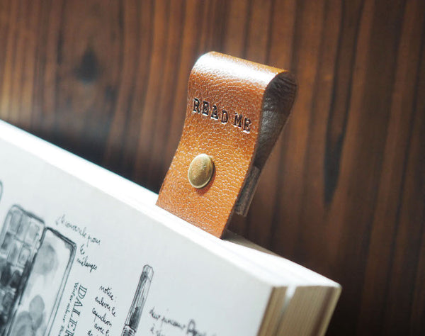 ES Corner Handmade Leather Bookmarks Engrave READ ME Bookmark for Reader Gifts Brown