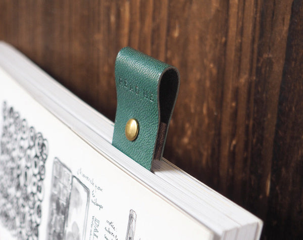 ES Corner Handmade Leather Bookmarks Engrave READ ME Bookmark Dark Green Close up