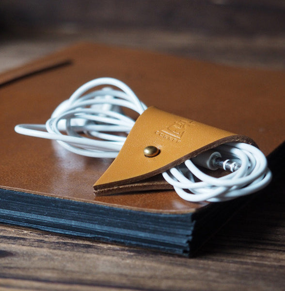 ES Corner Leather Cord Holder Cord Organizer Earphone Headphones Cord keeper Light Brown Color