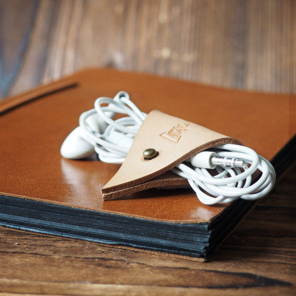 ES Corner Leather Cord Holder Cord Organizer Earphone Headphones keeper Natural Nude color