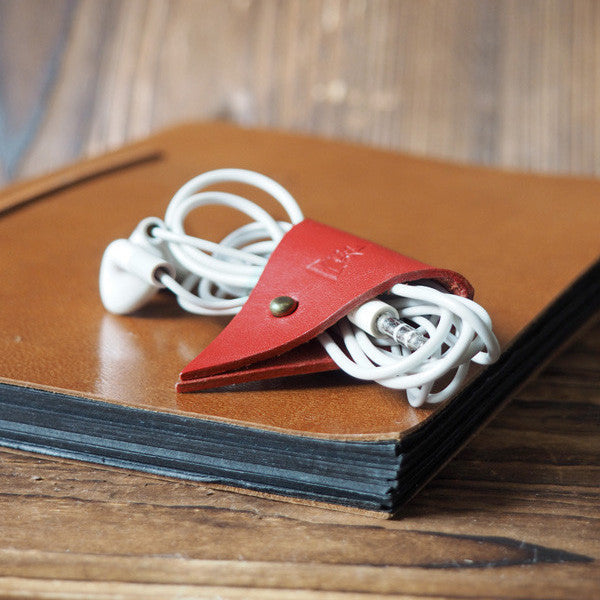 ES Corner Leather Cord Holder Cord Organizer Earphone Headphones Cord keeper Red Color