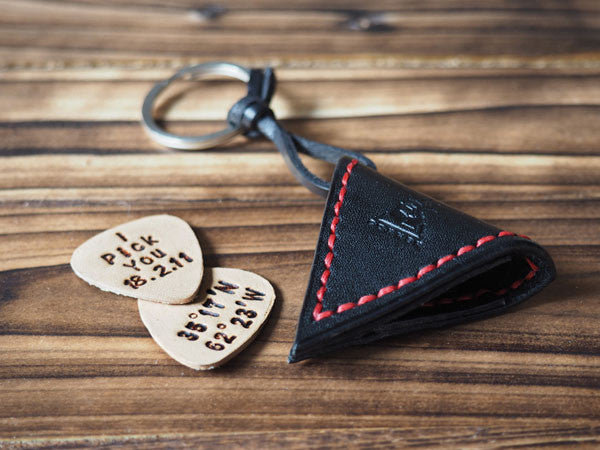 ES Corner Handmade Leather Guitar Pick Case keychain Pick Holder Personalized with Leather Pick Black with Red thread