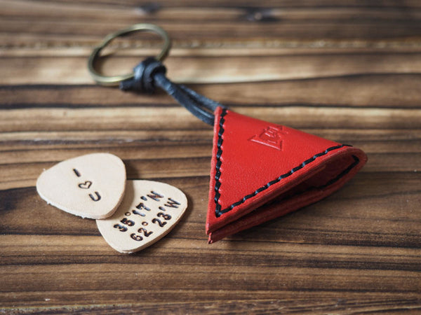 ES Corner Handmade Leather Guitar Pick Case Pick Holder Personalized with Leather Pick Red Main Shot