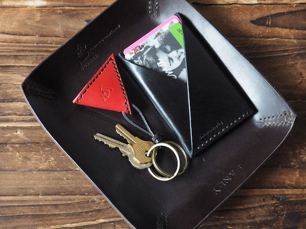 ES Corner Handmade Leather Guitar Pick Case Pick Holder Red with Card Holder on Valet tray